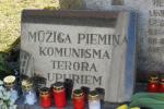 Komunistiskā genocīda upuru piemiņas diena Alojā. Foto: Z.Šlendaka