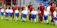 Latvijas futbola izlases pavadoņu vidū arī Alojas novada sporta skolas futbolists Elvis Tomsons
