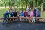 Alojas Ausekļa vidusskolas sākumskolēni dabaszinību stundā iemēģināja jaunos koka solus