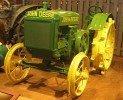 Tiek meklēts senākais John Deere traktors Latvijā