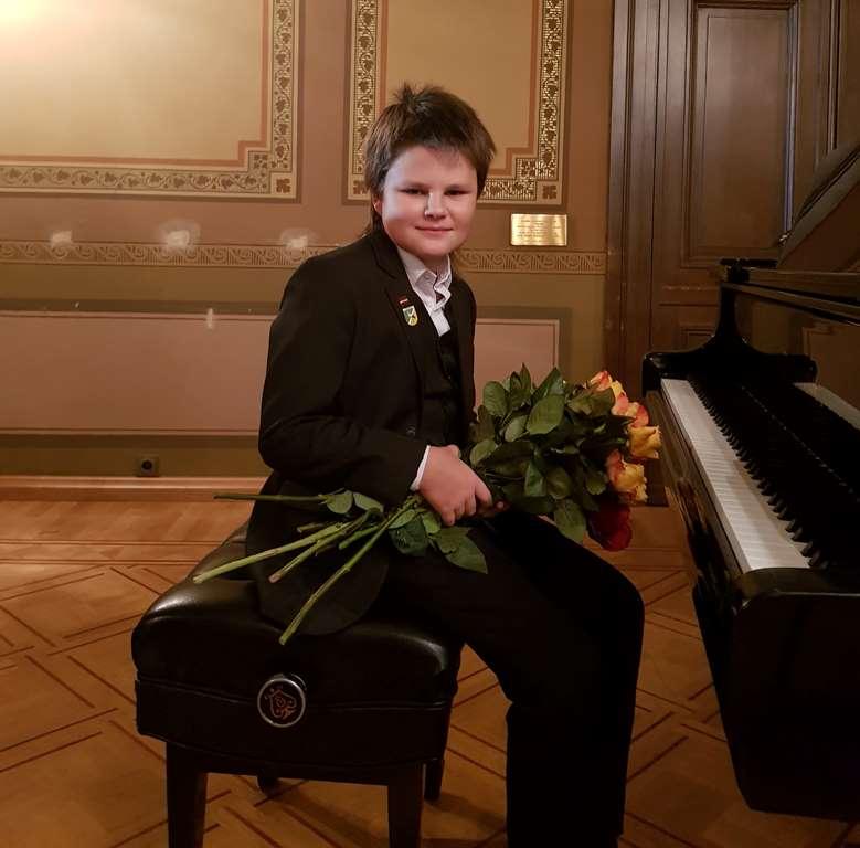 R.Andrejevs