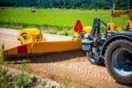 Autoceļu uzturētājs uz grants autoceļiem greiderēšanu veicis vairāk nekā 77 000 km garumā
