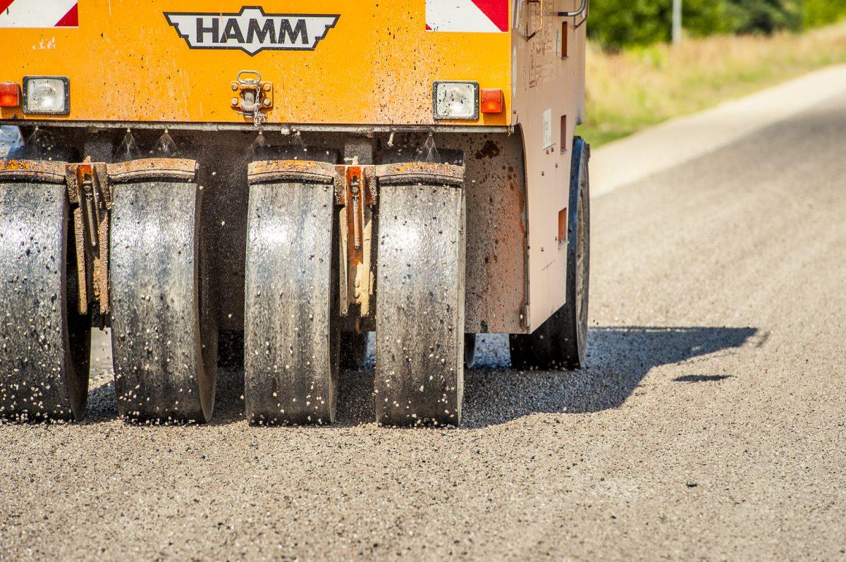 Autobraucēju ievērībai: atkusnī var pastiprināti atklāties defekti virsmu apstrādes posmos; aicina par tiem ziņot, zvanot uz 80005555