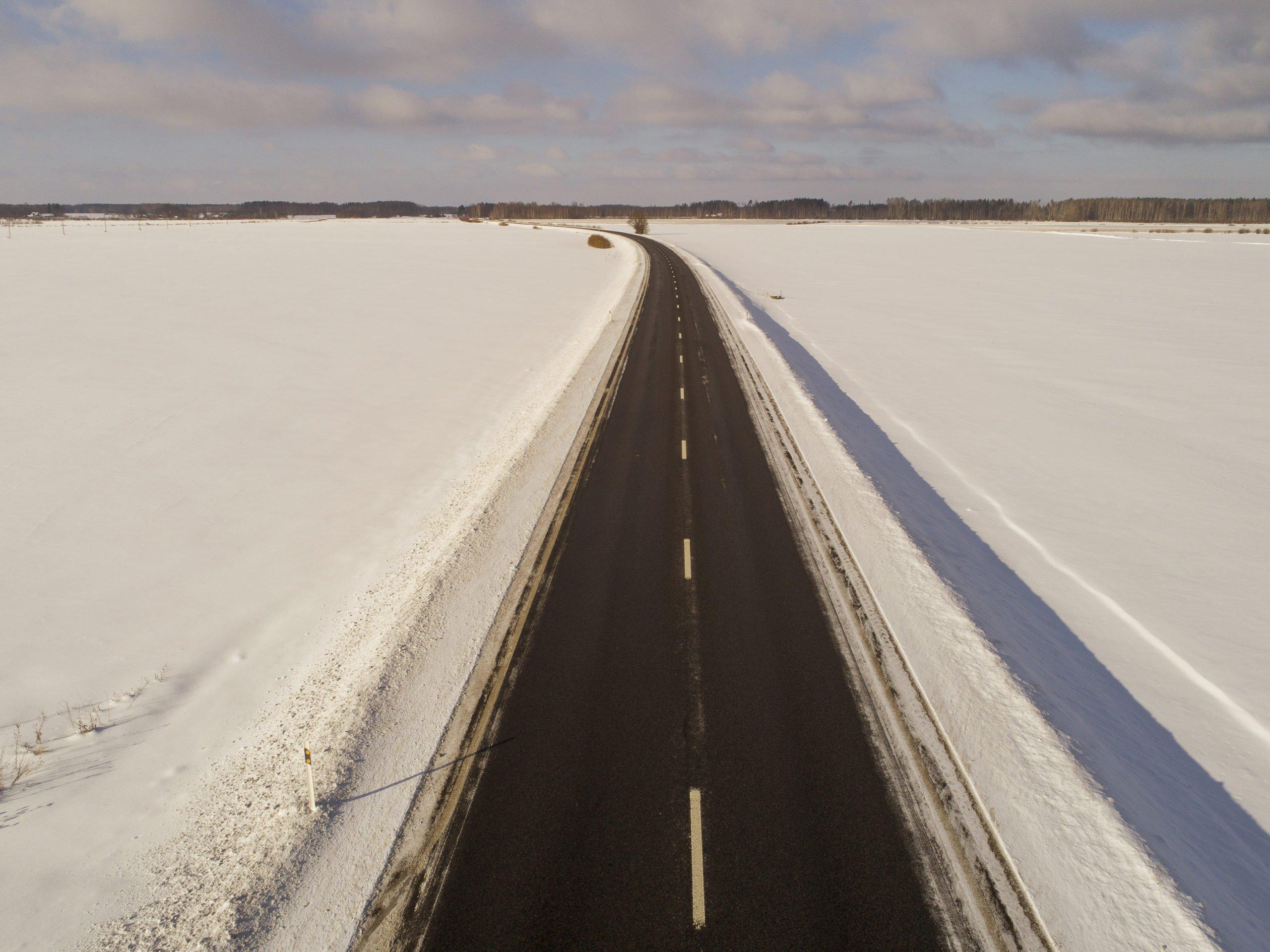 Autoceļu uzturēšanas eksperts: satiksmei bīstamo bedru remonts uz asfaltētajiem autoceļiem tiek veikts neatkarīgi no laika apstākļiem