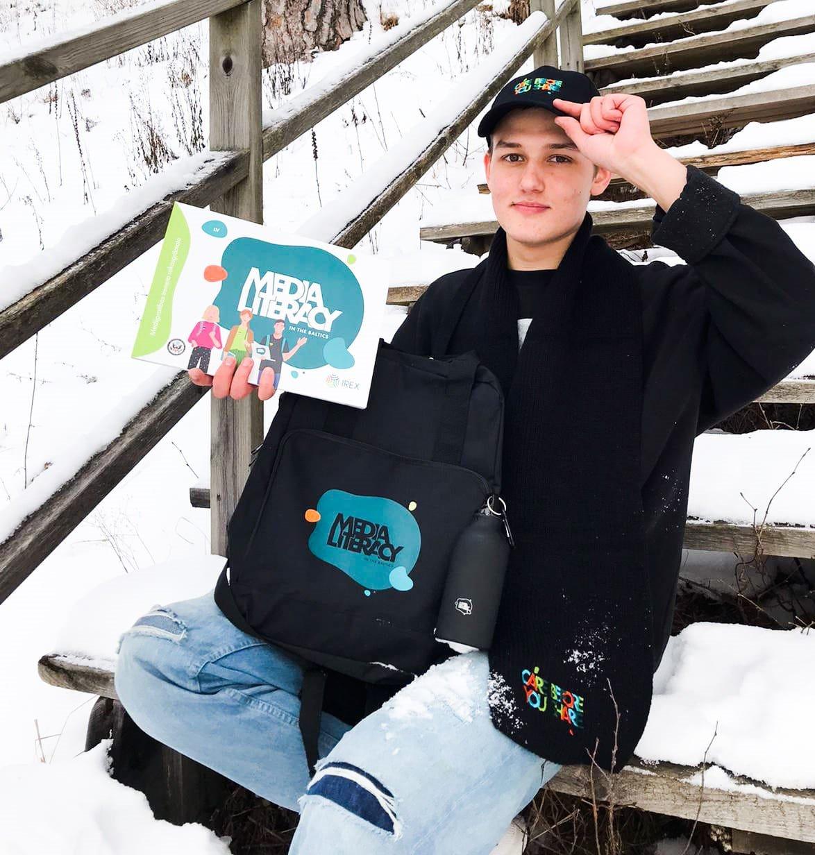 Staiceles pamatskolas absolvents Viesurs Titovs stāsta par medijpratību