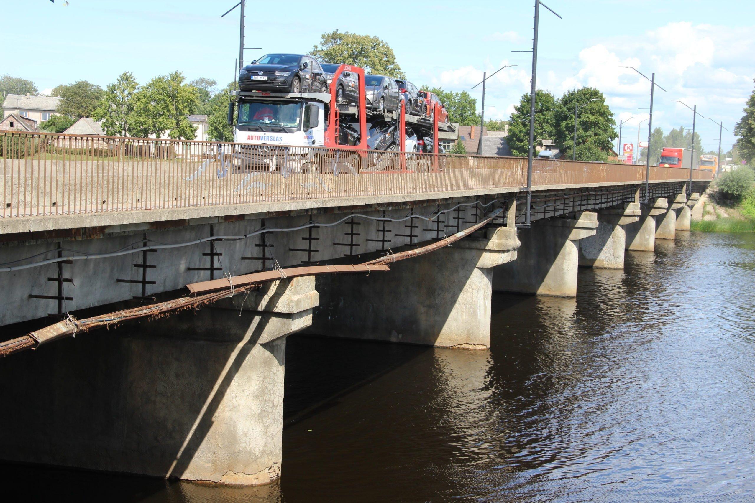 Par Salacas tilta remontu Salacgrīvā