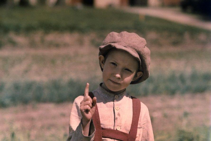 """Turpinot brīvdabas kino ciklu, šajā ceturtdienā aicinām skatītājus uz melodrāmu """"Cilvēka bērns"""""""