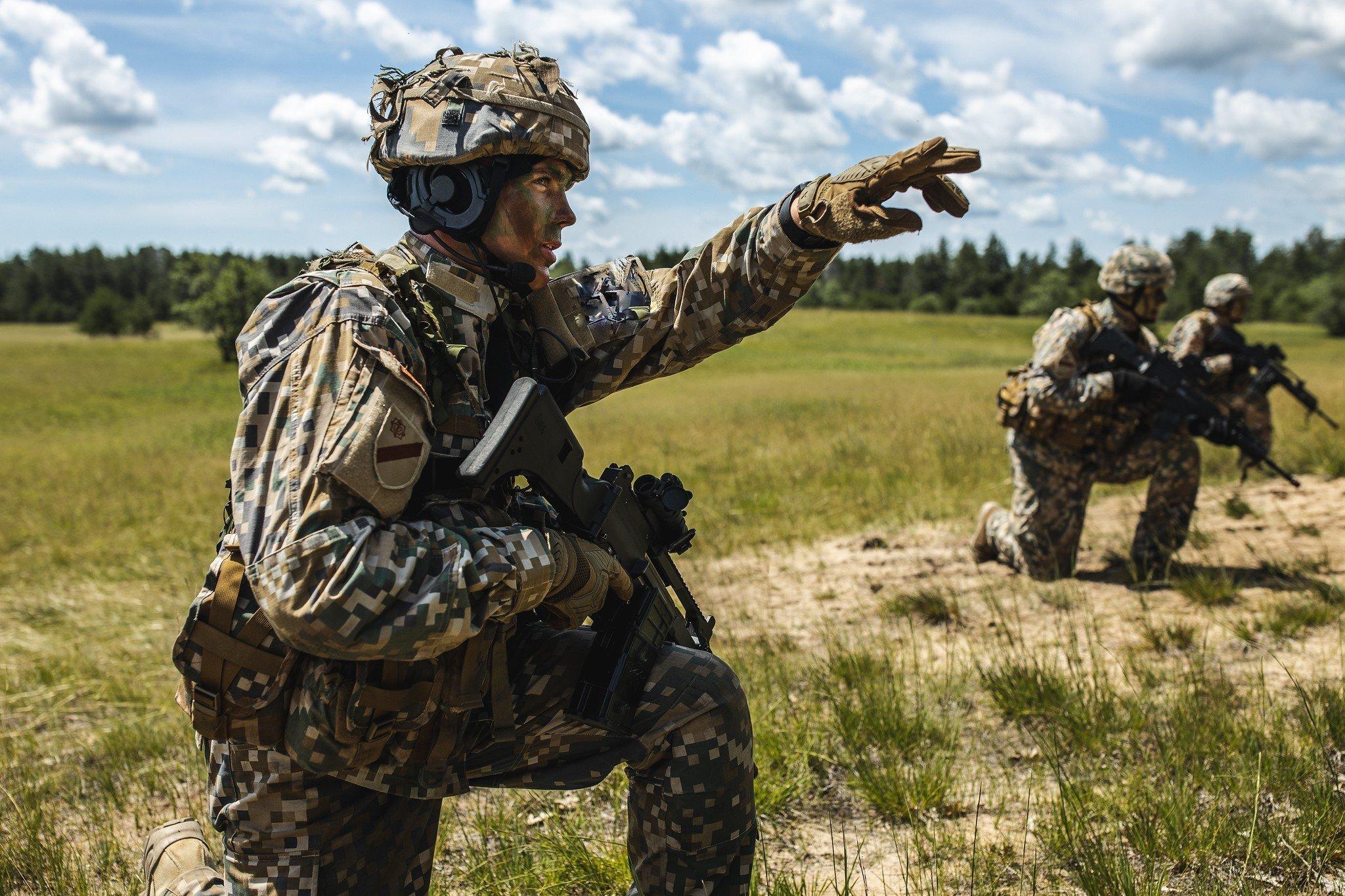 """Vidzemē notiek militāro mācību """"Namejs 2021"""" aktīvā fāze"""